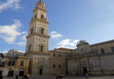 """Alla scoperta di ''Piazza Duomo a Lecce: una ricchezza per tutti"""""""
